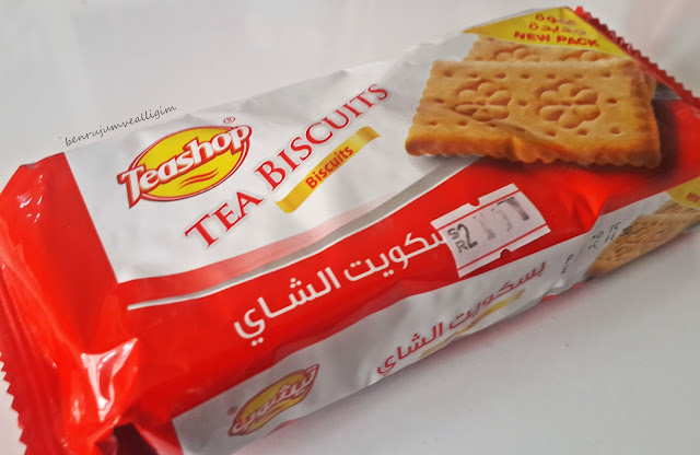 teashop-tea-biscuits