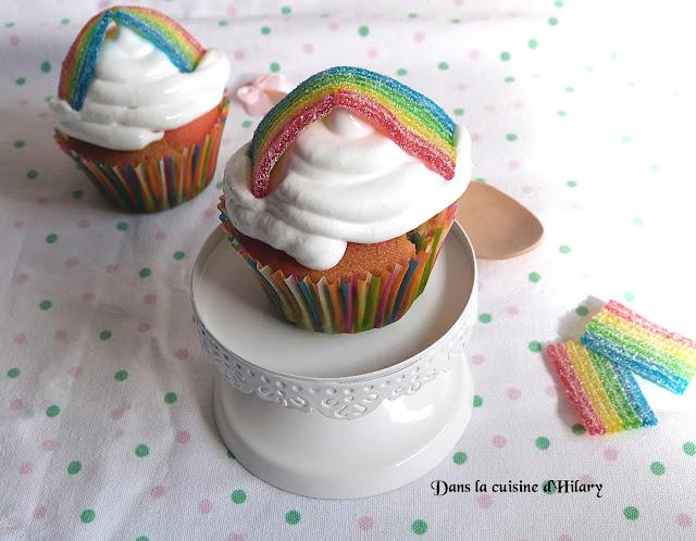 Cupcakes double arc-en-ciel et leur glaçage au fluff - Dans la cuisine d'Hilary