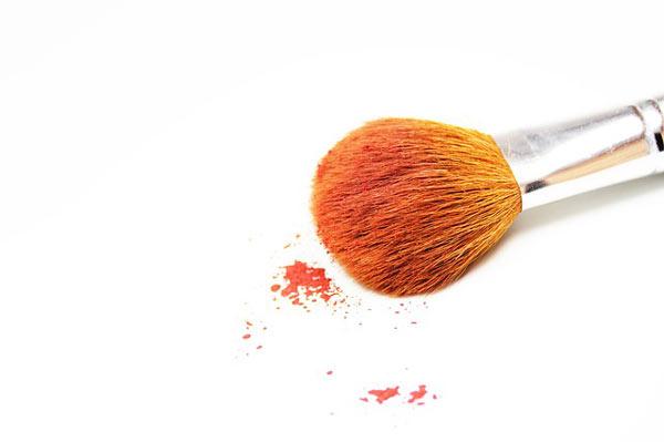makeup simple dengan 5 produk ini