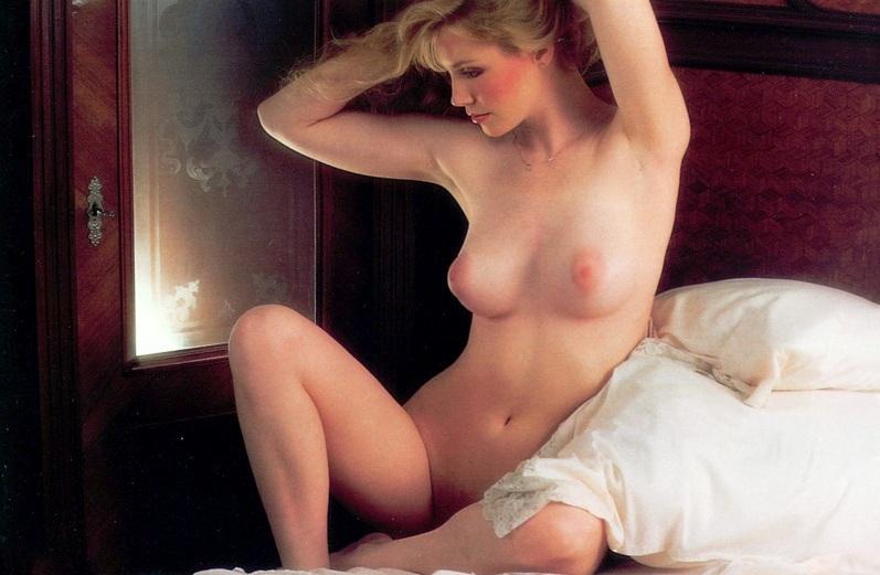 Mainstream Erotica 77