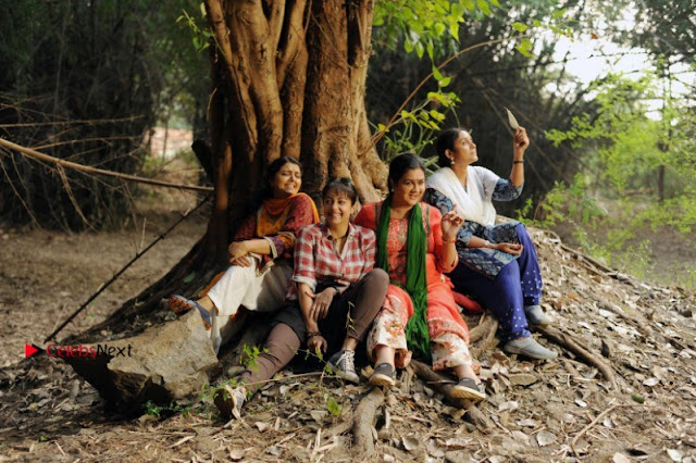 Magalir Mattum Working Stills  0002.jpg