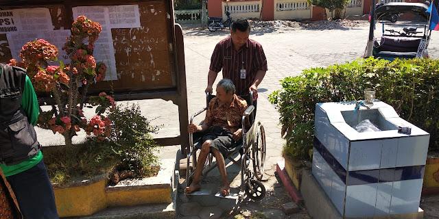 Semi (Disabilitas) Senang Bisa Rekam E-KTP, Pada TMMD Reg 105 Tahun 2019 Ini