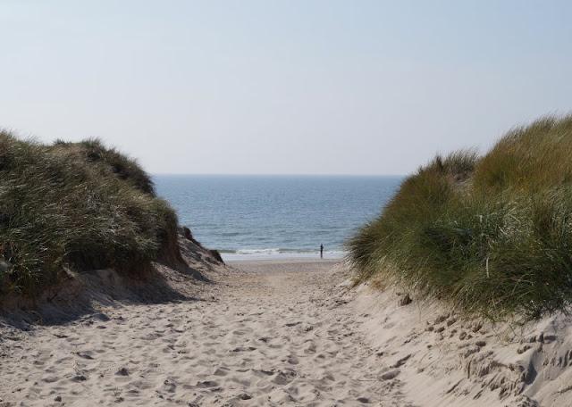 Aus unserem Dänemark-Urlaub: Wunderschöne Ausflugsziele rund um Houstrup. Teil 1: Strände, Häfen und einzigartige Natur. Hier: Houstrup Strand.