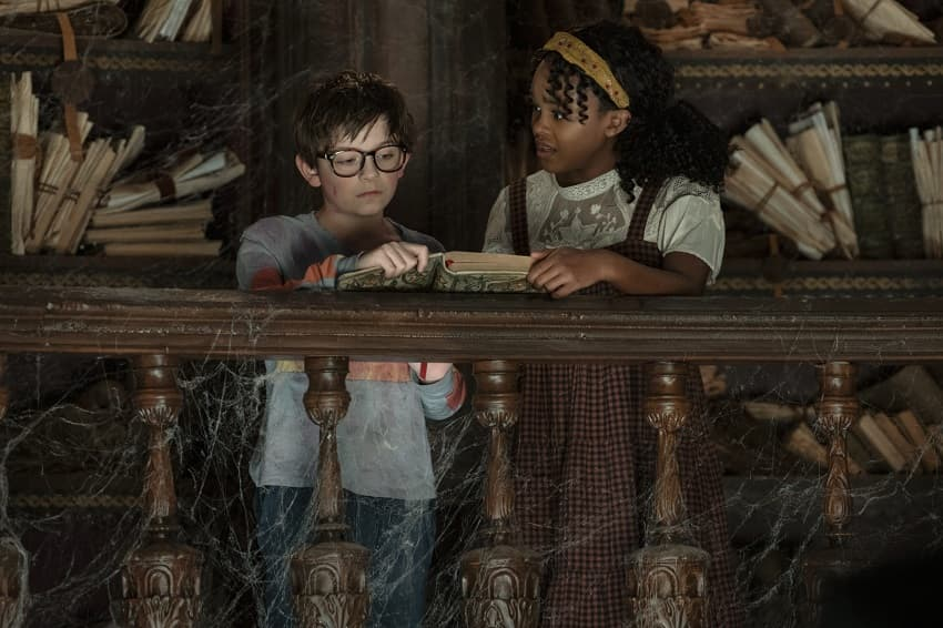 Рецензия на фильм «Ночные тетради» - экранизацию книги Дж. Э. Уайта от Netflix