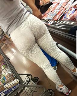 Mujeres nalgonas calzas deportivas pegadas
