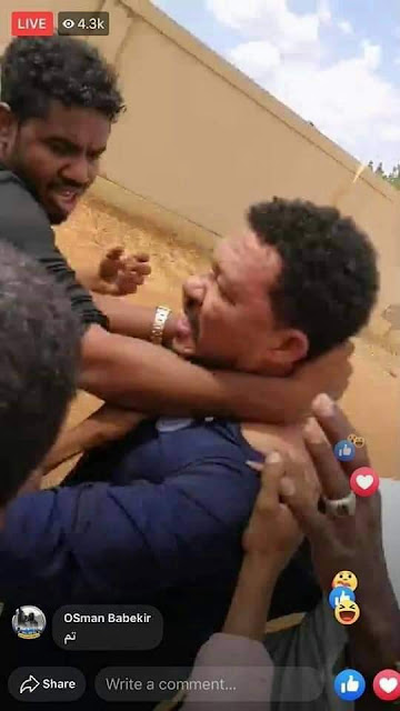 شاهد بالفيديو : تعرض الناشط عثمان ذنون لضرب في سنار من لجان المقاومة