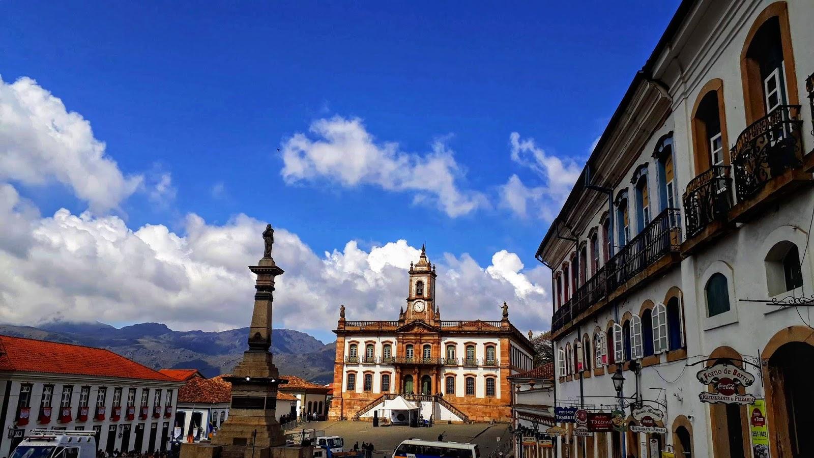 Praça Tiradentes em Ouro Preto com o Museu da Inconfidência ao fundo