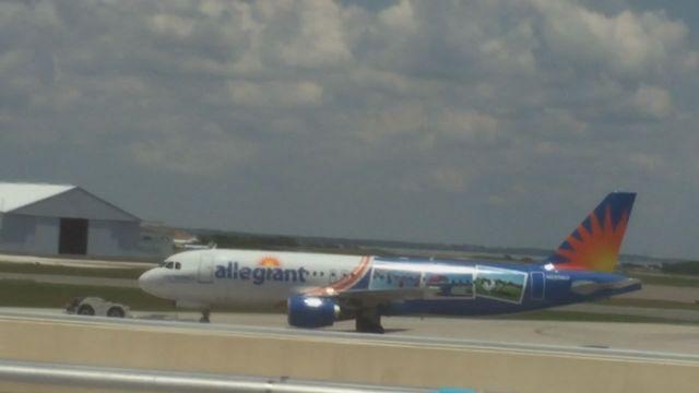 Kathryn S Report Allegiant Airbus A320 200 N228nv