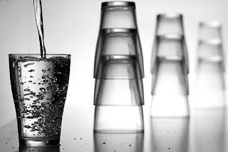 ดื่มน้ำอุ่าน