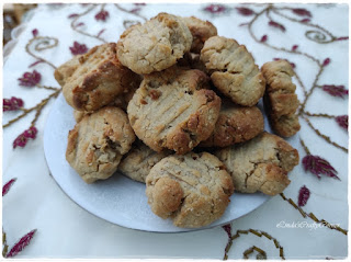Honey and Peanut Cookies, biscuits