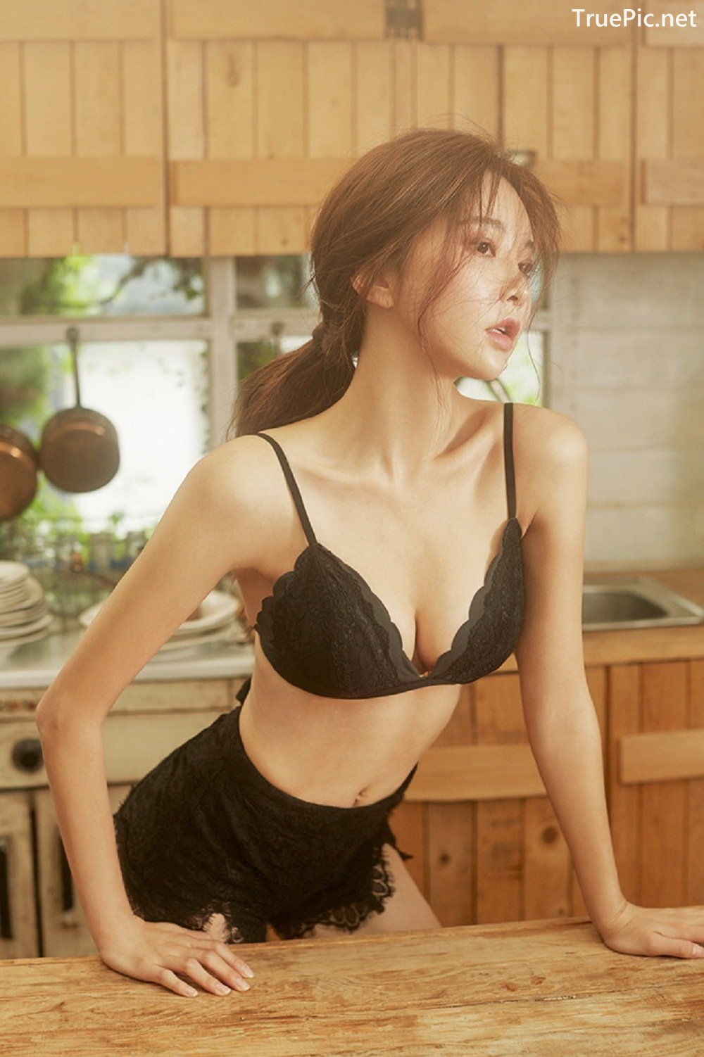 Image-Park-Soo-Yeon-Black-Red-and-White-Lingerie-Korean-Model-Fashion-TruePic.net- Picture-2