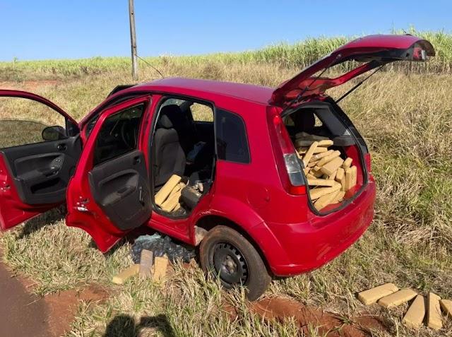 Traficante tomba veículo em perseguição e acaba preso com 186 quilos de maconha