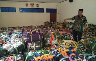 Berangkat 28 Juli, Jamaah Haji Kota Cirebon Sudah Ambil Koper