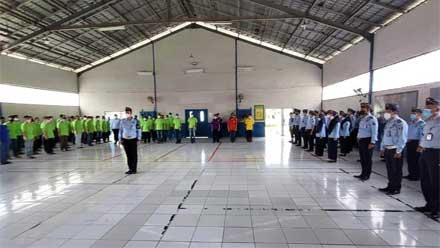 Petugas dan Warga Binaan Lapas Narkotika Bandar Lampung Deklarasikan Komitmen Bebas Halinar