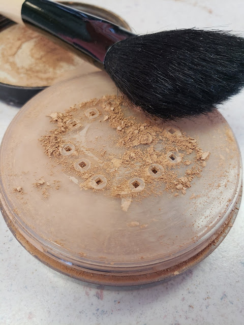 mineral powder foundation with brush