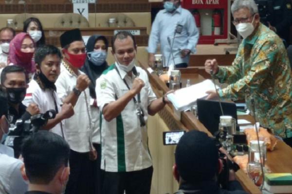 (Bag-2) Jokowi 2 Kali Terbitkan Keppres Pengangkatan PNS, Guru dan Tendik Honorer Juga