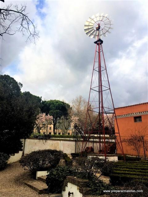 visitar la Quinta de los Molinos de Madrid