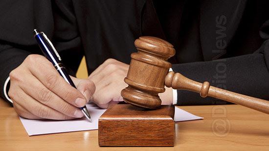 aurelio excluir palavra ofensiva juiz direito