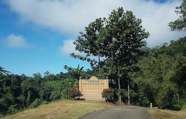 Taman Hutan Rakyat Gunung Tumpa H.V Worang ©JelajahSuwanto