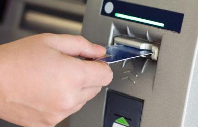 Τράπεζες νέες χρεώσεις. Προμήθεια και για ερώτηση υπολοίπου