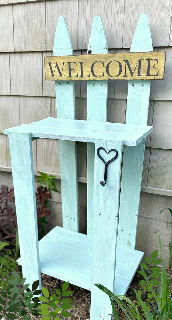 Build a rustic DIY Cottage green picket fence garden table