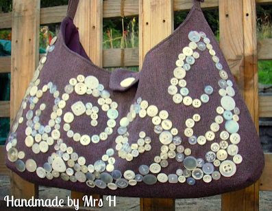 Pearly Queen Shoulder Bag