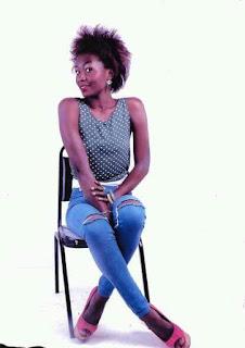 Scolastique MUSONGA avec « Tobandi na fashion », modèle entrepreneurial pour la jeunesse