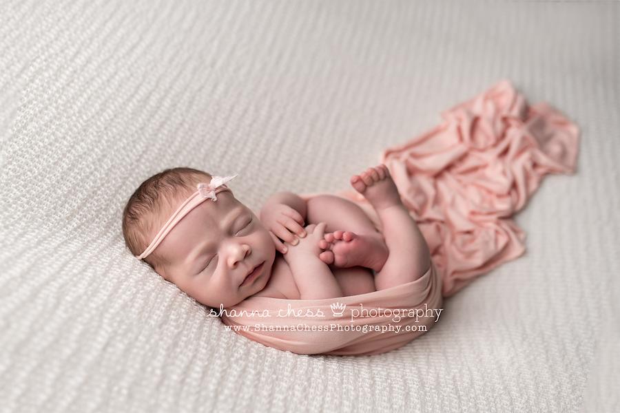 baby girl newborn photographer eugene oregon