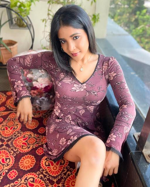 Malayalam Actress Sakshi Agarwal Very Hot Pictures Actress Trend