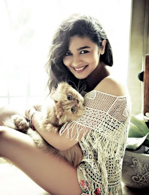 aliya bhatt cat, aliya bhatt pet, pet lover, cat lover