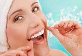 Розповіли 5 помилок догляду за зубами, які всі повторюють