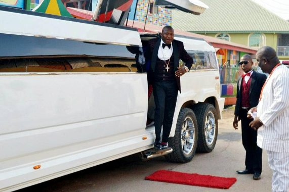 Photos:Flamboyant pastor(Tom Samson), his hummer limousine and famous red carpet
