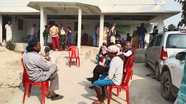 शिवनगर में निःशुल्क आंखों का हुआ इलाज