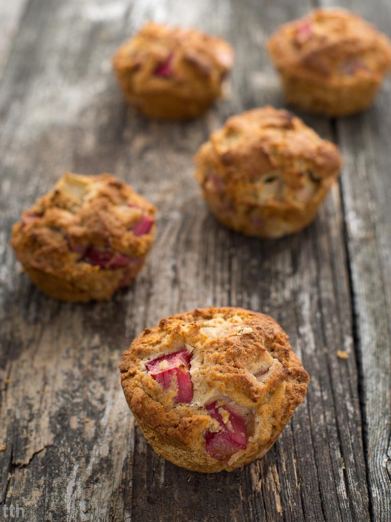 Muffiny cytrynowe z rabarbarem wegańskie, bezglutenowe, bez cukru