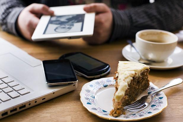 Protege el PC, tablet y móvil en vacaciones de las redes WiFi poco seguras