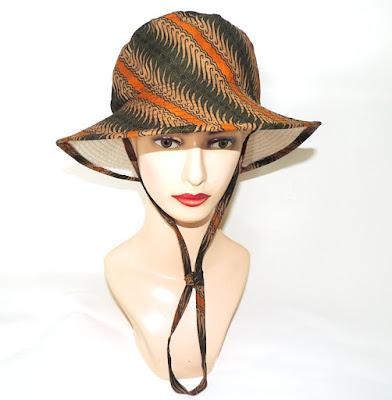 Bucket Hat Motif Batik Hijau