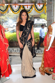 Neetu Chandra in Black Saree at Designer Sandhya Singh Store Launch Mumbai (19).jpg