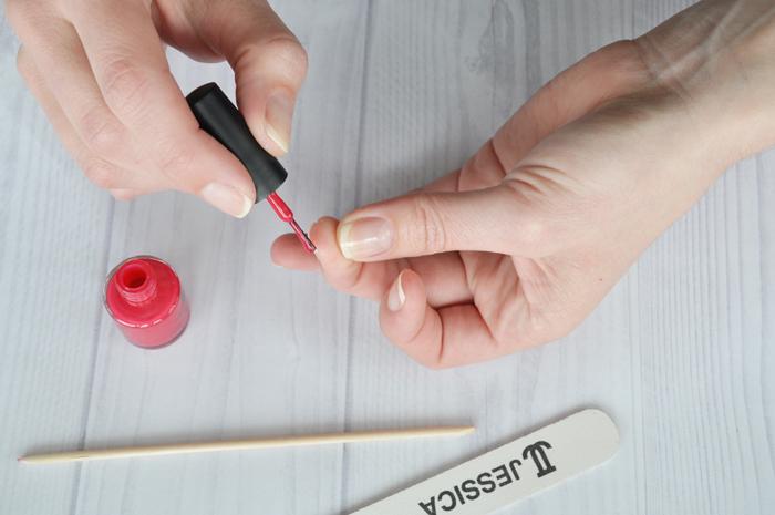 Step 8: apply color varnish