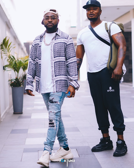 Sunday Fun Day! Davido Drops Cute Sunday Photos With Crew Member
