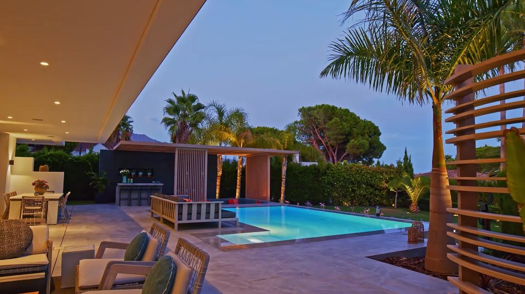 43 Interior Design Photos vs. Minimalist Villa Nueva Andalucia, Marbella Tour
