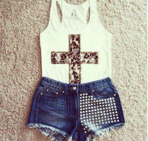 shorts; tachas; looks; look com tachas