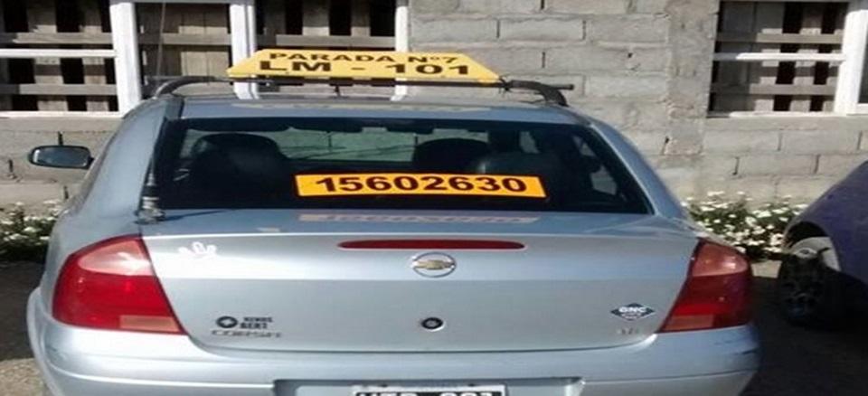 Jovenes robaron un taxi para dar una vuelta
