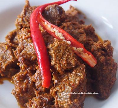 Daging Rendang, Makanan Yang Begitu  Primadona Bagi Pecinta Wisata Kuliner, Baik Domestik Maupun Manca Negara,  - Wisata Kuliner