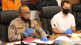 Polda Metro Ancam Pidanakan Pihak yang Sebut Laskar FPl Tak Punya Senjata Api, Netizen: Loh Kok Maksa?