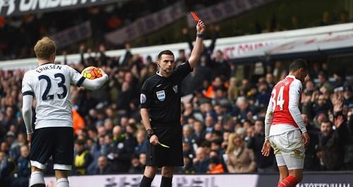 Chiếc thẻ đỏ của Coquelin đã thay đổi trận đấu