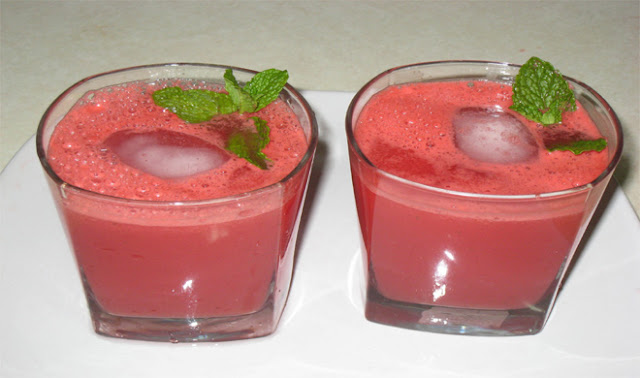 अपनों का बदलें मिजाज़, पिलायें टेस्टी वाटर मेलन ड्रिंक(how to make watermelon drink at home)