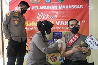 Polres Pelabuhan Makassar Lakukan Vaksinasi COVID-19 Tahap Kedua