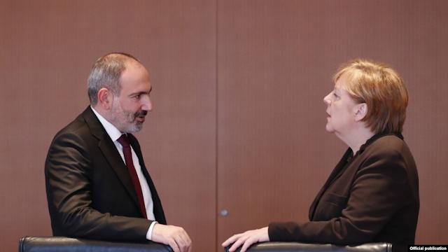 Líderes alemanes apoyan  reformas de Pashinyan