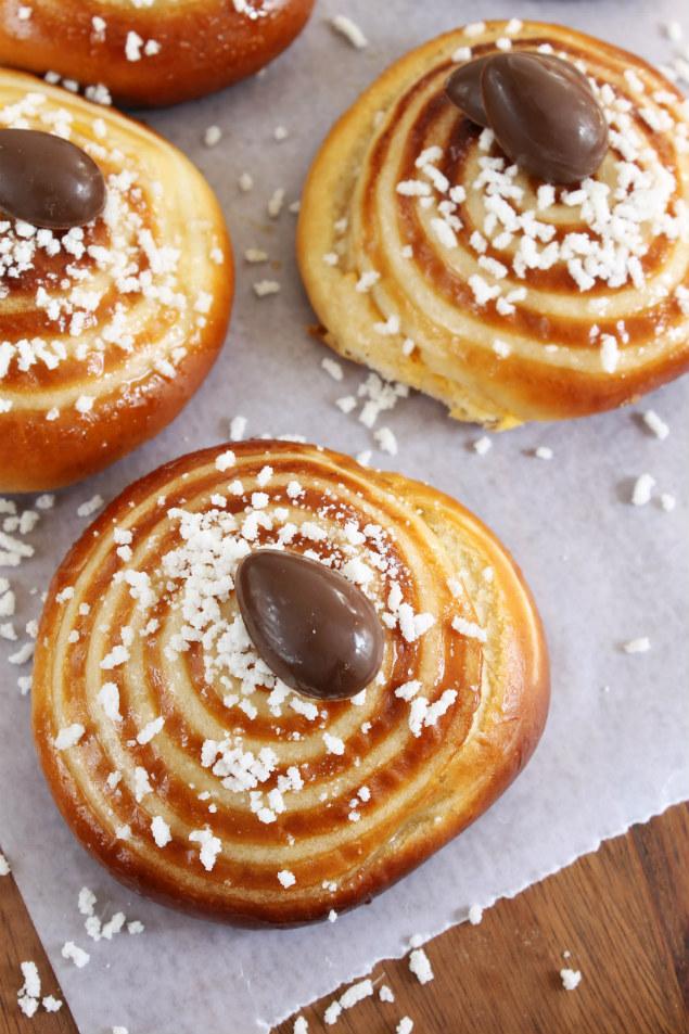 bollos orientales rellenos de crema pastelera