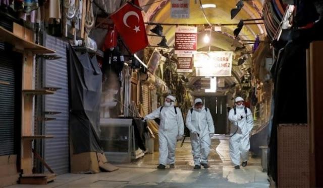 La Turchia dona 5 maschere gratuite a settimana ai suoi cittadini
